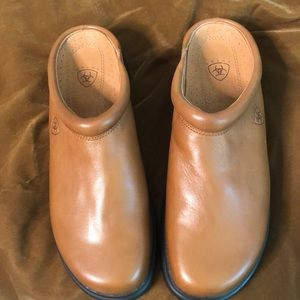 Ariat 9.5 leather mule brandy color worn once